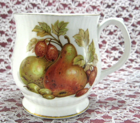 Fall Fruit And Nuts English Mug Bone China Mayfair England - Antiques And Teacups - 1