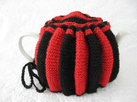 Tea Cozy Red And Black English Hand Knitted Stretchy 1950s Tea Cosy - Antiques And Teacups - 1