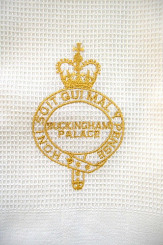 Tea Towel Buckingham Palace London Gold Royal Crest Waffle Weave New - Antiques And Teacups - 1
