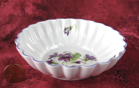 Shelley China England Violets Pin Dish Sweetmeat Bon Bon Teabag Holder - Antiques And Teacups - 1