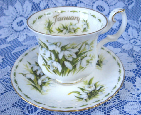 January Snowdrops Cup And Saucer Royal Albert Demi Flower Of The Month - Antiques And Teacups - 1
