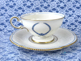 Tea Cup And Saucer Castleton USA Empire Blue Wreath Burnished Gold Trim 1950s - Antiques And Teacups - 3