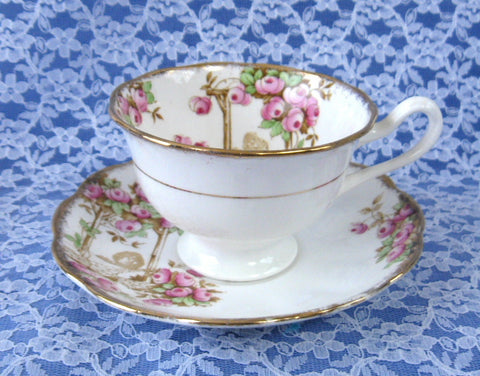 Royal Albert Crown China Rosalie Tea Cup And Saucer Hand Cored Transfer Art Deco 1927-1935 - Antiques And Teacups - 1