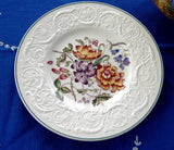 Bognor Wedgwood Plate Floral Molded Patrician Lunch Plate 1940s Flower Bouquet Creamware - Antiques And Teacups - 1