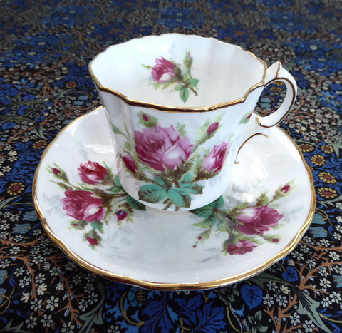 Hammersley England Grandmother's Rose Teacup And Saucer Roses Gold Bone China 1970s - Antiques And Teacups - 1
