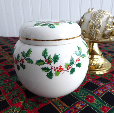 Sadler Christmas Holly Tea Caddy Ginger Jar 1970s Ceramic Canister Holiday Tea - Antiques And Teacups - 1