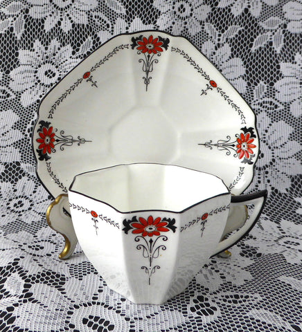 Cup And Saucer Shelley Daisy Red Enamel Queen Anne Paneled Art Deco 1920s Teatime - Antiques And Teacups - 2