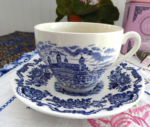 Royal Homes Of Britain Blue Transferware Cup And Saucer 1960s Balmoral Castle - Antiques And Teacups - 1