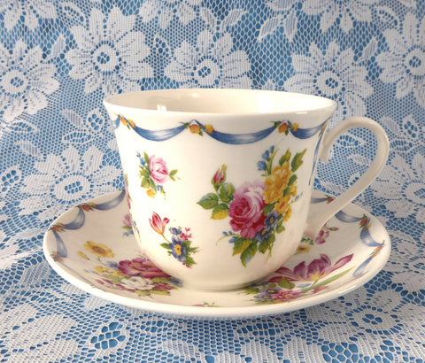 Dresden Spray Breakfast Size Cup And Saucer Roy Kirkham Flowers Floral Bone China - Antiques And Teacups - 1