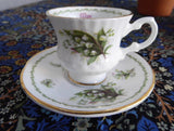Miniature Lily Of The Valley May Cup And Saucer Queen's Bone China Mini 1970s - Antiques And Teacups - 3