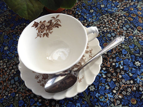 Oneida Beverly Spoon Teaspoon 1920s Leaf Bellflower Duro Plate Afternoon Tea