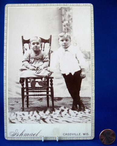 Photo Pair Of Bored Children Wisconsin 1870-1880s Cabinet Card Mid Victorian Ephemera