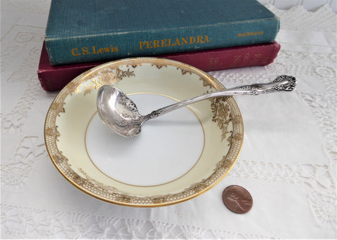 Rogers 1847 Grape Harvest Gravy Ladle Vintage 1904 Silver Plate International