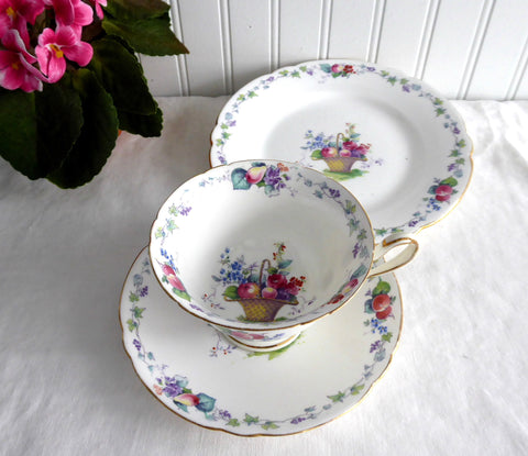 Shelley Hampton Court Teacup Trio Gainsborough Shape England 1920-1930s
