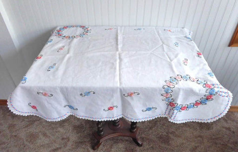 Tea Cloth Embroidered Tablecloth Floral 34 Inches Square 1930s Bridge Cloth Card Table
