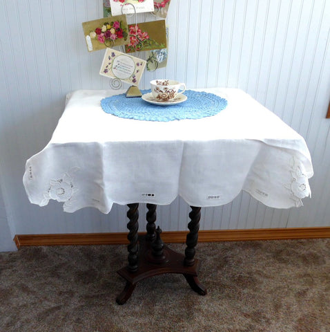 Tea Cloth Tablecloth England Cutwork Linen 31 Inch Embroidered 1940s