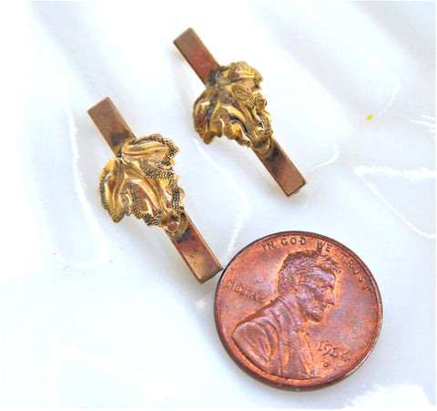 Pair of Lingerie Pins 1940-1950s Gold Plated Grape Leaves Dimensional Scatter