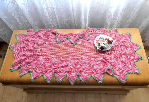 Crocheted Large Table Centerpiece Runner Red Green Pineapple 1950s Hand Made 22X40