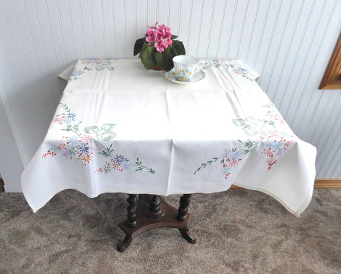 Tea Cloth Tablecloth England Floral Embroidered Linen 32X34 Inch Bridge Tea Party 1950s