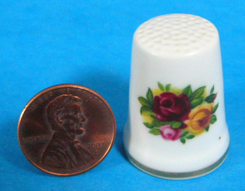 Thimble Royal Albert Old Country Roses English Made 1962-1974 Bone China