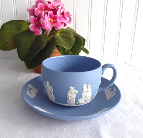 Wedgwood Jasperware Cup and Saucer Cherubs Sacrifice Figures 1967