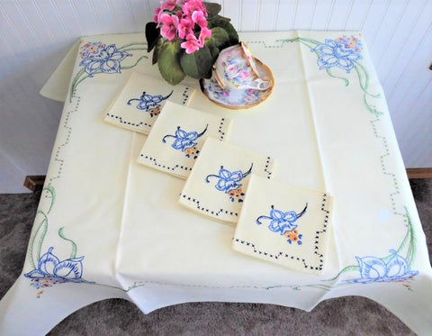 Embroidered Tablecloth Daffodils 36 Inch Square 4 Napkins 1960s Bridge Cloth Card Table