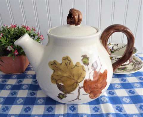 Teapot Metlox Poppytrail Woodland Gold Leaves Acorns 8-10 Cup X Large Size 1960s