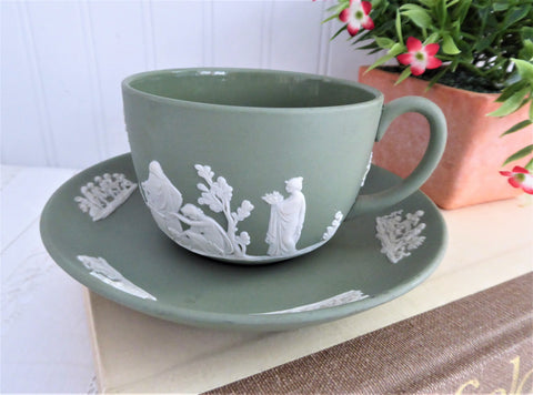 Cup and Saucer Wedgwood green Jasperware Sacrifice Figures Cherubs 1970 England