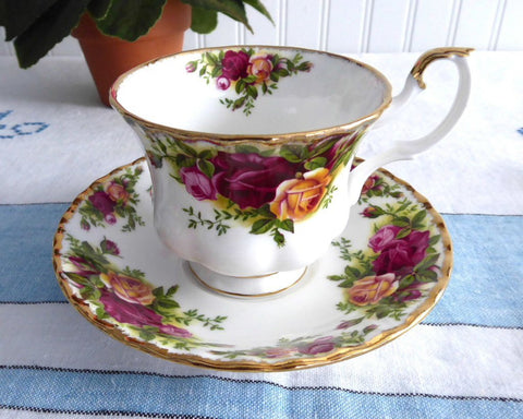 Cup And Saucer Royal Albert Old Country Roses 1962-1974 English Made Brush Gold Teacup