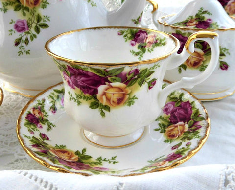 Old Country Roses Royal Albert Cup and Saucer English Made 1974-1992