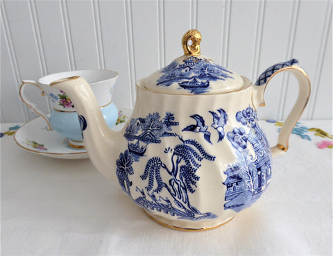 Sadler Blue Willow Teapot Willow 1970s Tea For Two  Gold Trim Blue And White
