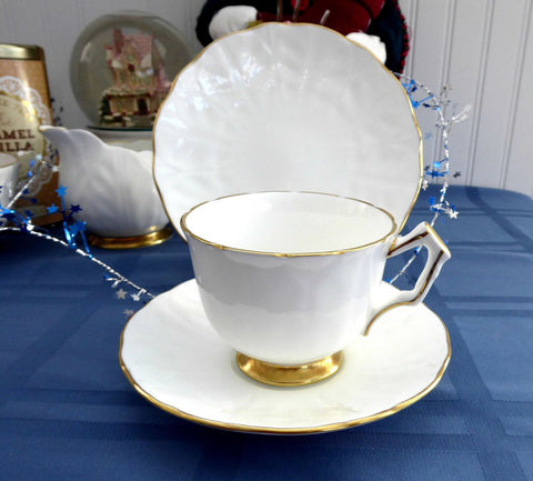 Aynsley Golden Crocus Teacup Trio Petal Molded White And Gold 1980s England