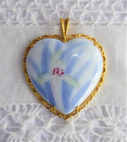 Hand Painted Orchid Porcelain Pendant 1980s Blue And White Heart 24kt Gold Plated Danbury Mint