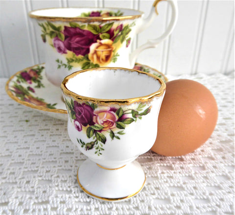 Eggcup Old Country Roses Royal Albert 1980s Made In England
