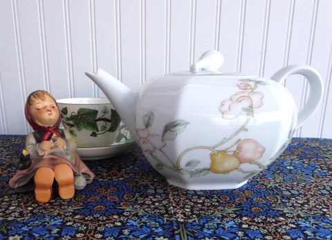 Teapot Fruit Garden Villeroy And Boch Large Bavarian Porcelain 1980s Heinrich