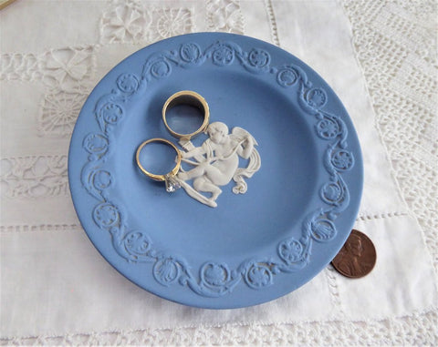 Cupid Stringing His Bow Wedgwood Blue Jasperware Dish 1980 Small Plate Teabag Caddy