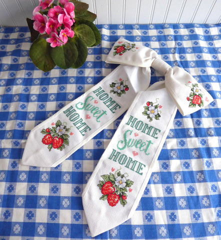 Cross Stitch Door Bow Wreath Bow Decor Strawberries 1980s Finished Home Sweet Home