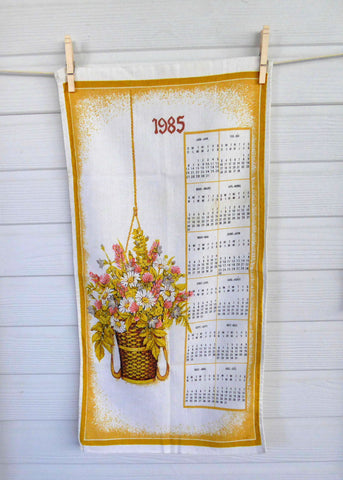 Long Calendar Towel 1985 Tea Towel Dish Towel Linen English French Retro Kitchen Decor