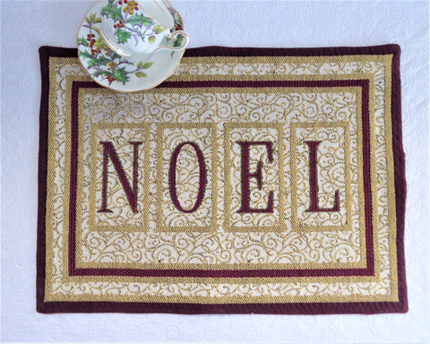 Christmas Noel Luxe Placemat Centerpiece 1990s Metallic Gold Tapestry Dinner Party Holiday Insulated Back