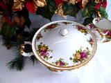 Royal Albert Old Country Roses Round Covered Vegetable Large 50 Ounce 1990s Lidded