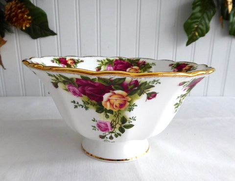 Footed Bowl Royal Albert Old Country Roses Round 1990s