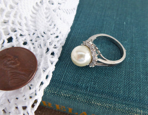 Halo Ring Faux Pearl CZ 1990s Tea Party Large Pearl Silver White Elegant