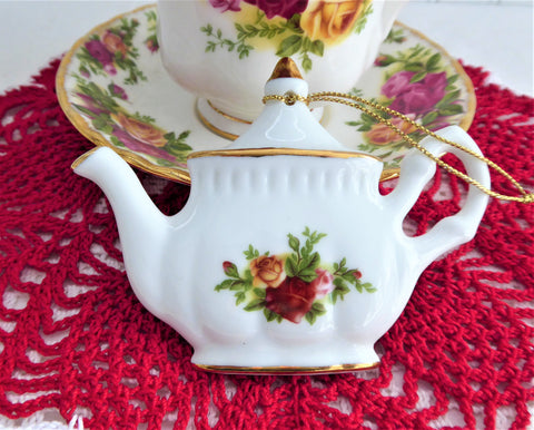 Christmas Ornament Teapot Old Country Roses Royal Albert Made In China 2009