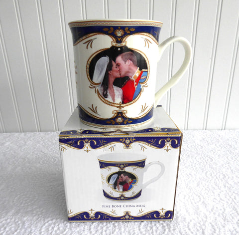 Wedding Kiss Mug William And Catherine English Boxed 2011 Bone China