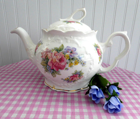 Large Teapot Olympian Rose Royal Patrician English Bone China 8 Cups Mixed Floral - Antiques And Teacups - 1