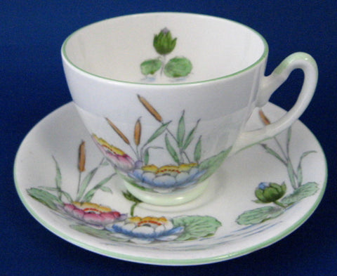 Water Lilies Cup And Saucer Hand Colored Royal Stafford 1950s - Antiques And Teacups - 1