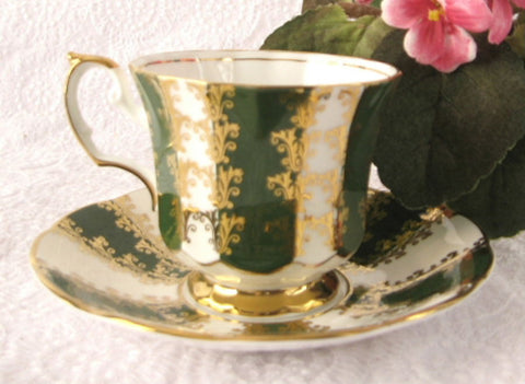Cup And Saucer Gold Overlay Green Bands Elizabethan England 1960s - Antiques And Teacups - 1