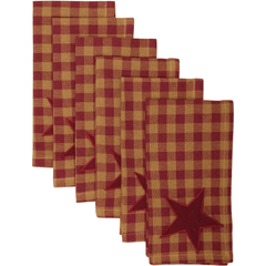 Burgundy Star Napkin Set