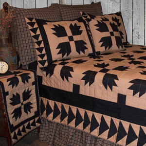 Black Bear's Paw Quilt
