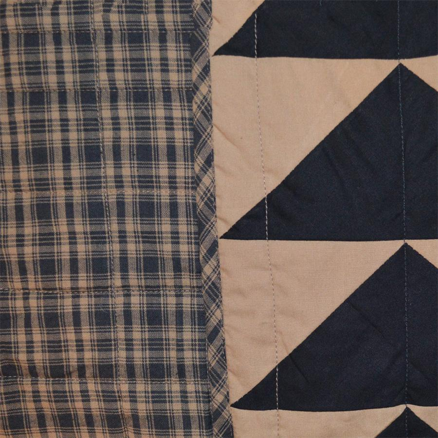 Black Bears Paw Quilt Retro Barn Country Linens